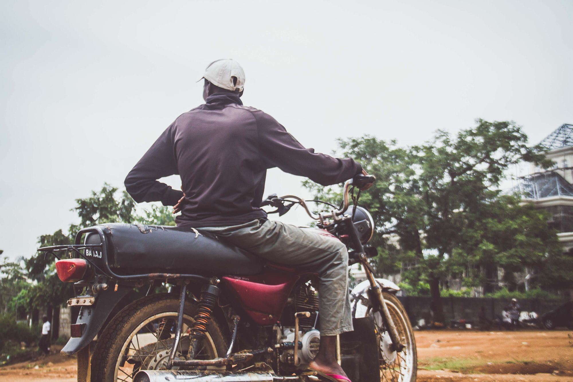 How Hype-worthy is the Motorcycle Taxi Uberisation Trend? + An African AI Revolution? feat. Babusi Nyoni & Osarumen Osamuyi